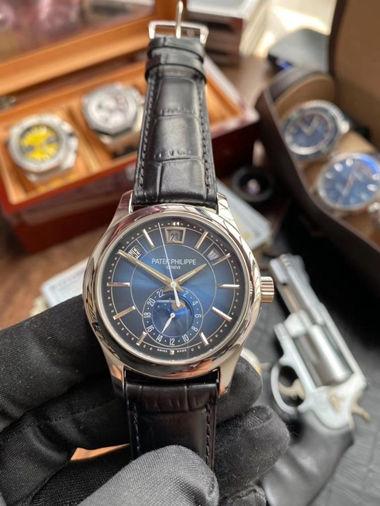 1:1 Replica Watch Patek Philippe 5205G-013 V2 Version